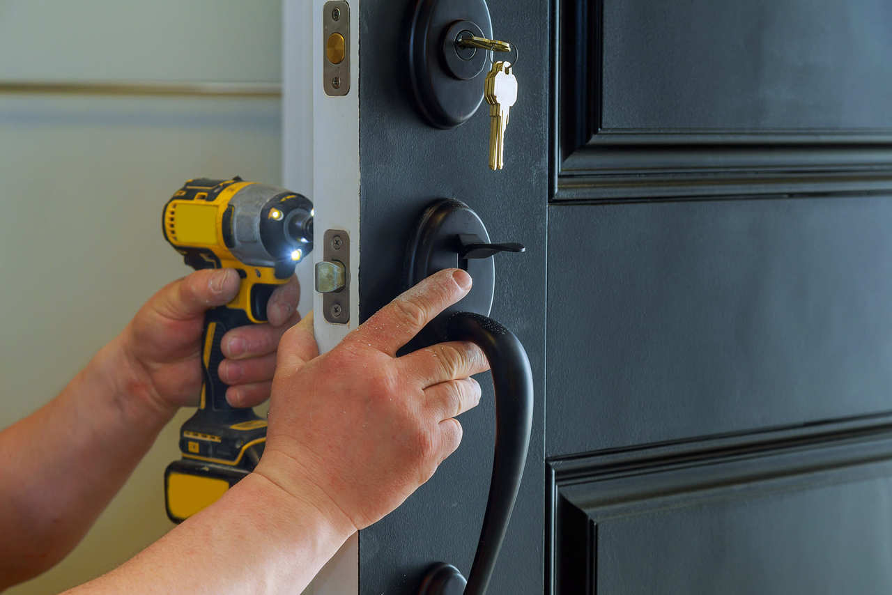 Help In Finding a Professionally Trained Locksmith